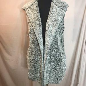 Love Tree, faux fur vest